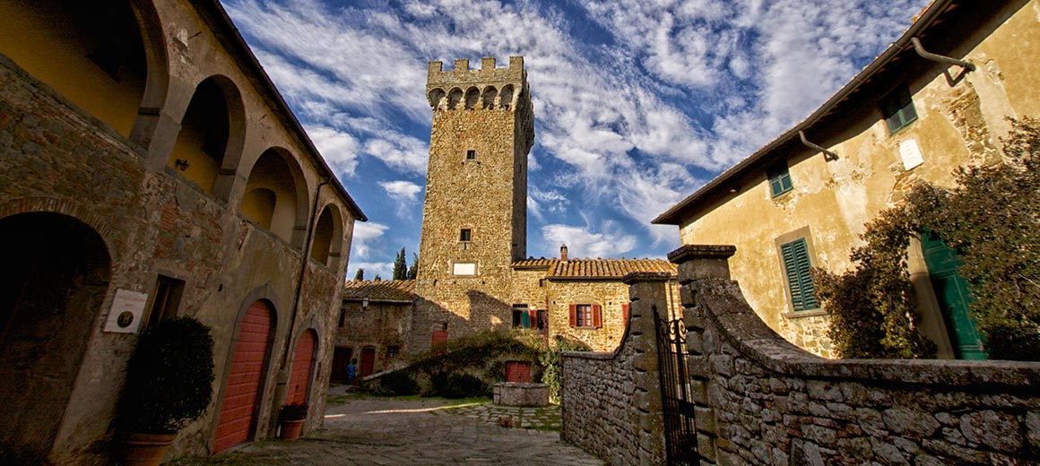 THE MEDIEVAL BORGO OF GARGONZA - Holiday in Tuscany