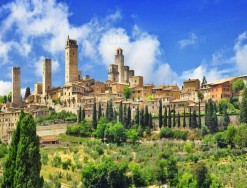 SAN GIMIGNANO, TOWN OF THE MEDIEVAL TOWERS